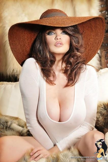 Dana hamm pics nude full model, caroline miranda pics