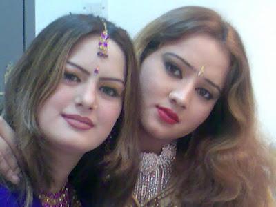 Ghazala Javed Sister Ghazala Javeed With Sister