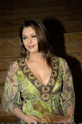 Nagma hot pics wallpapers for marriage