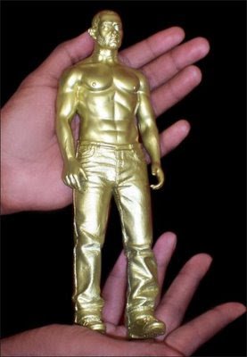Aamir Khan gold statue