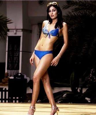 pooja chopra hot bikini pics