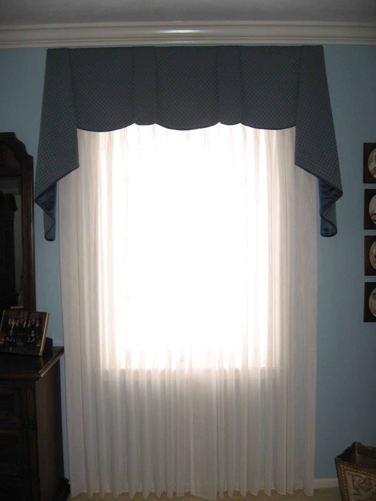 window fashions master bedroom sheffield valance with pleated sheers