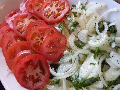 http://3.bp.blogspot.com/_FYgzOEem_QA/S5Ynplbo-aI/AAAAAAAAAyU/XNBS17Q5GWE/s400/tomato+onion+bake+1.jpg