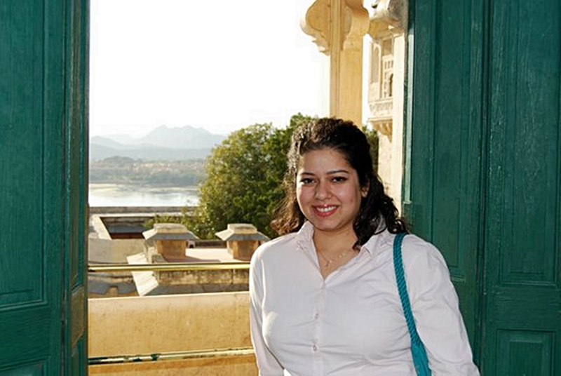 Jasmeen Manzoor Hot http://pakiphoto.blogspot.com/2010/11/jasmin-in-sharjah-house.html