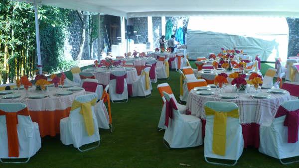 Eventos alejandra servicios de nuestra empresa for Mesas y sillas para xv anos