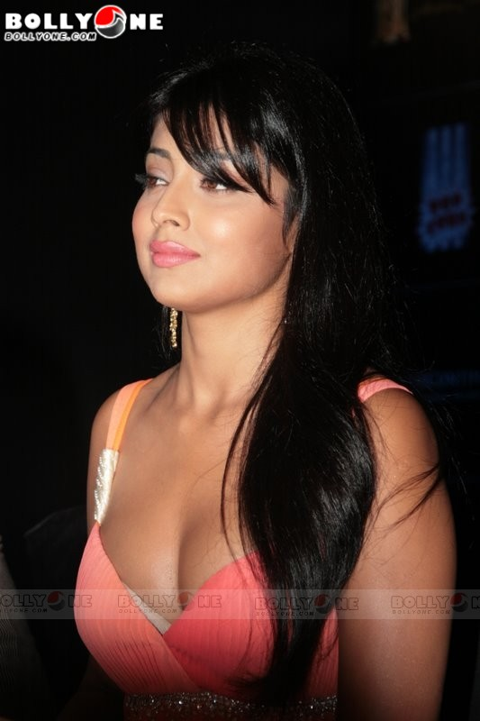 [shriya_saran__mission_15.jpg]