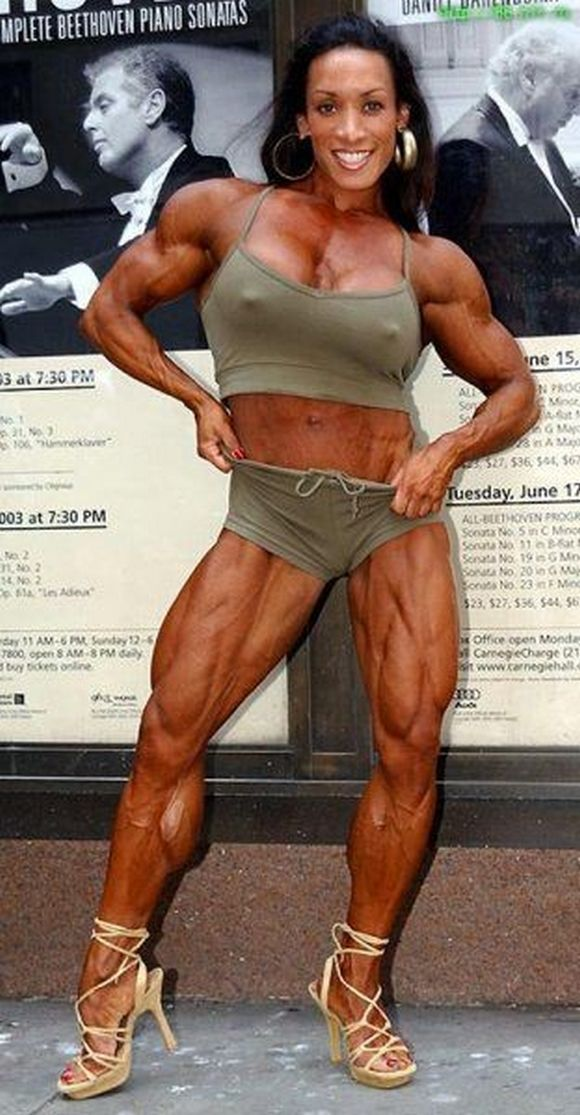 woman bodybuilder nipple: