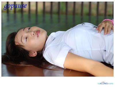 http://3.bp.blogspot.com/_Fc4ZU811BKs/RpobnAESFcI/AAAAAAAAAFM/68TxCIz3wxY/s400/schoolgirl-11
