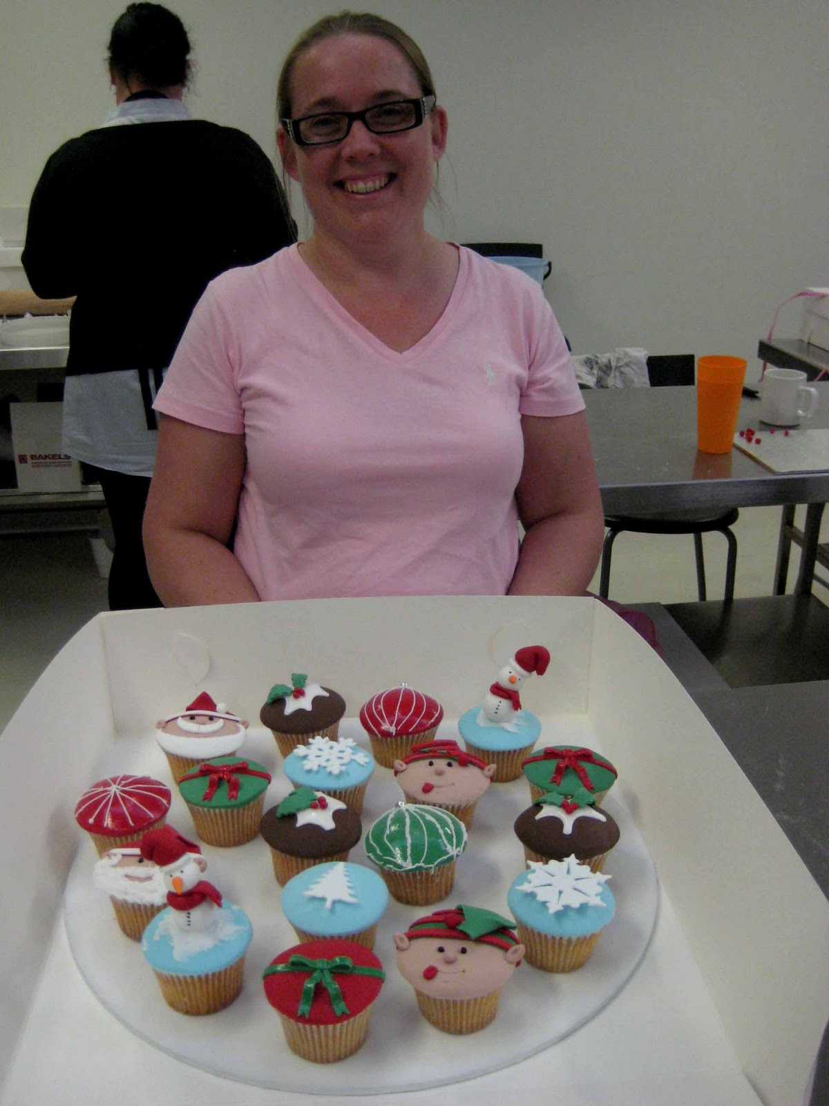 Cake Decorating Classes Central West Nsw : PLANET CAKE UPDATE: Christmas Cupcakes