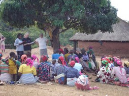 Dawn teaching ladies at Siyabuzana