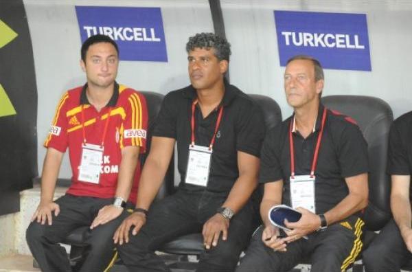 Frank Rijkaard ve Ekibi
