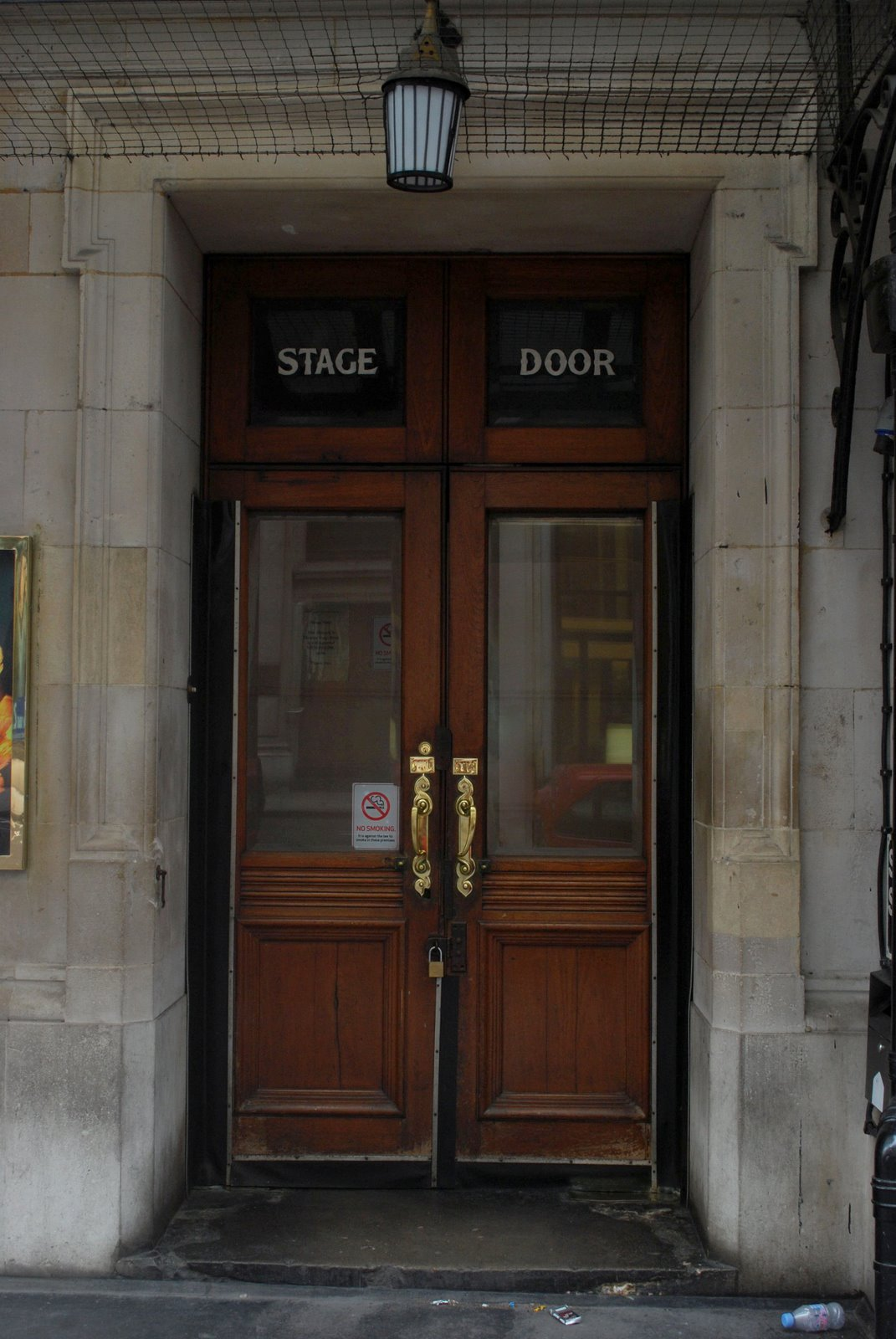 [stage+door1adjusted]