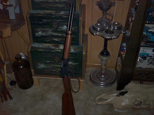 .44 Magnum Winchester carbine ~
