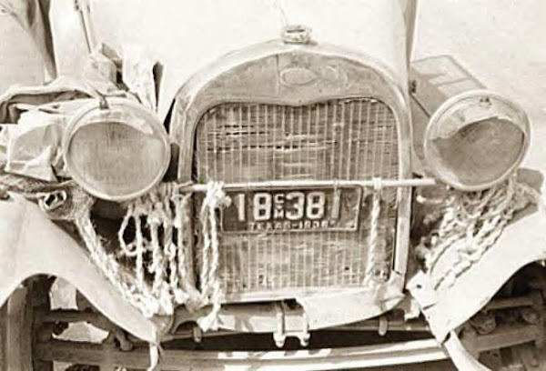 Front of peddler's car, Texas, 1939