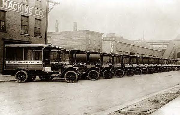 Mail trucks, 1920