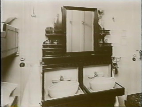 3rd Class Wash Basin in Double Cabin