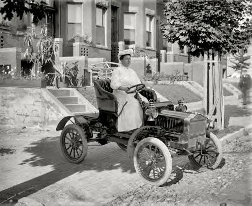 Washington, D.C., 1908. Mrs. Guy Henry in her Maxwell Tourabout