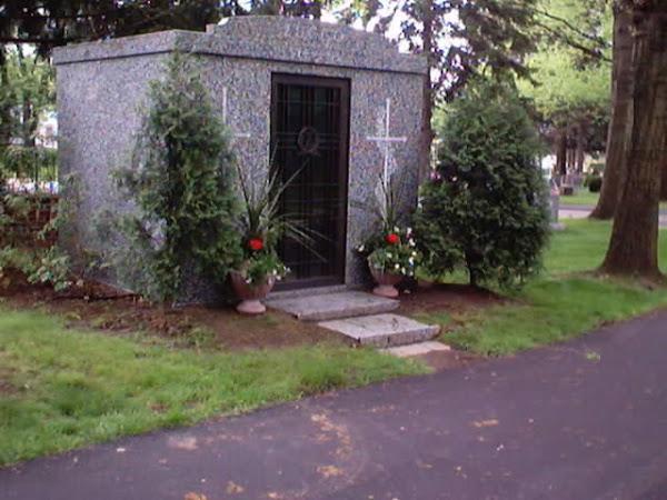 Zucco Mausoleum