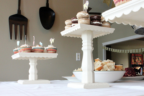 how to make a cake pop stand out of wood