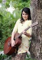 Ana Rafalli anugerah juara lagu 25