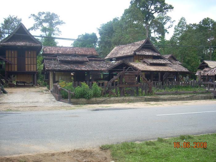 Warisan Pahlawan Resort  Kampung Pauh Kuala Berang