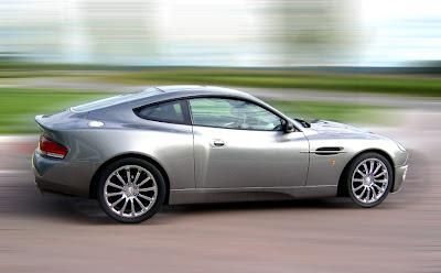 Aston 9 James Bond Aston Martin Vanquish V12 Replica   Based On Ford Mustang Photos