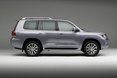 Carscoop 08 LX 570 11 NY Preview: Lexus LX 570