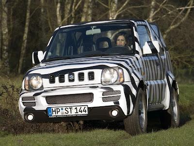 "Carscoop JimnySE 200 Suzuki Jimny Cabrio ""Daktari"" & ""Camouflage"""