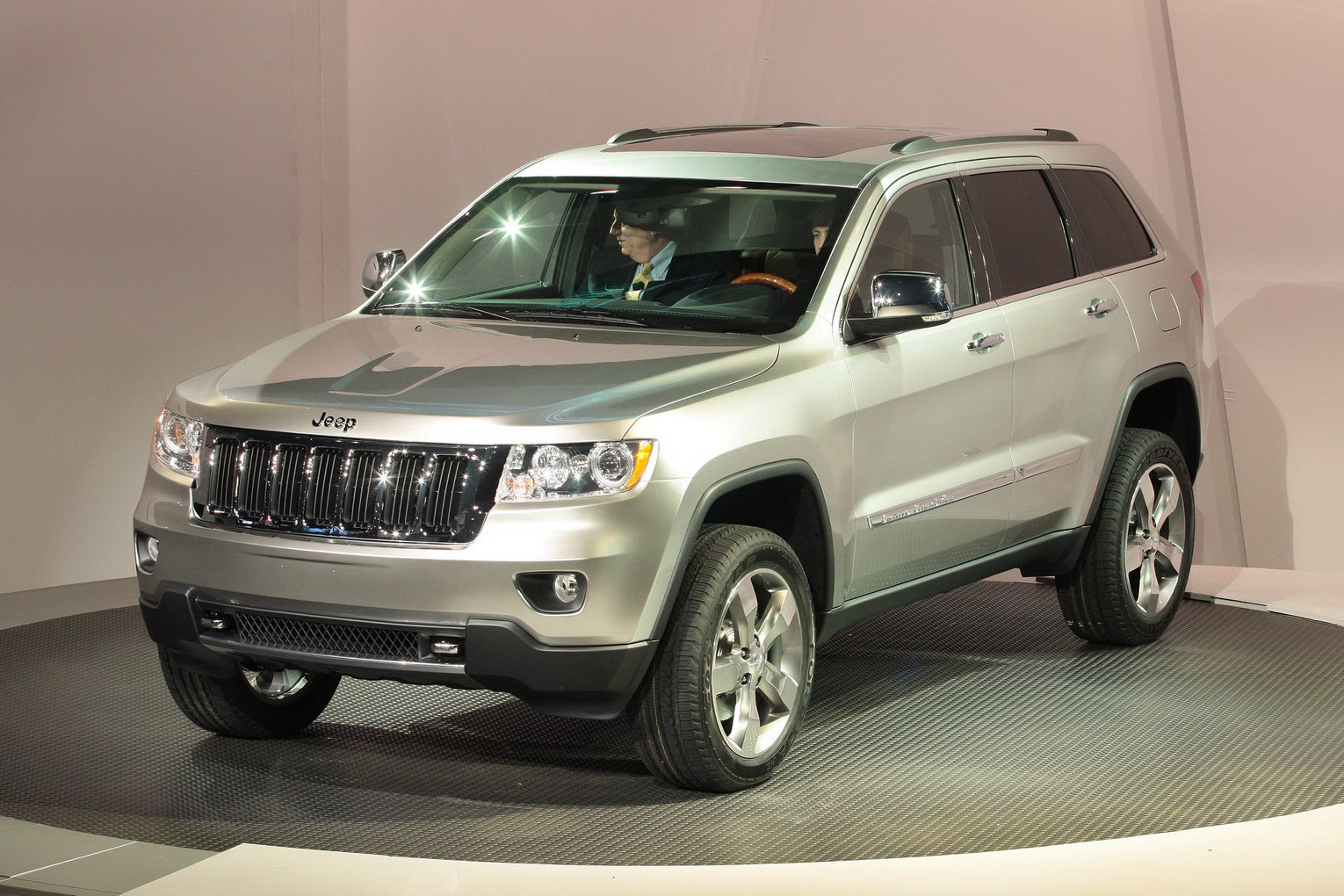 2011 Jeep Grand Cherokee Prices Announced  Starts From  32 995