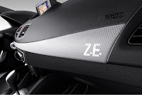 Renault Fluence ZE 7 Renault Reveals Production Versions of All Electric Fluence Z.E. and Kangoo Van Z.E