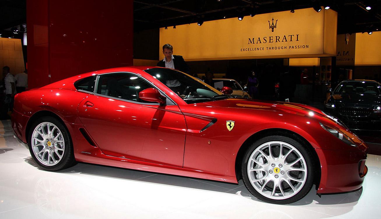 Ferrari-Paris-Show_8.jpg