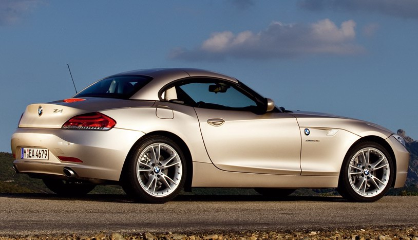2009 BMW Z4 with a Retractable Hardtop 42 High Res Images