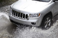2011 Jeep Grand Cherokee 17 Jeep Releases New Photos and Video of 2011 Grand Cherokee Photos Videos