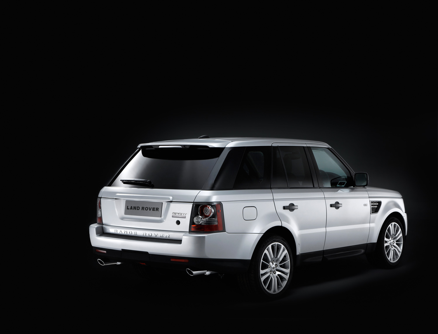 2010 Range Rover Sport 16 Facelifted Range Rover Sport gets new V6 Diesel and V8 Petrol units