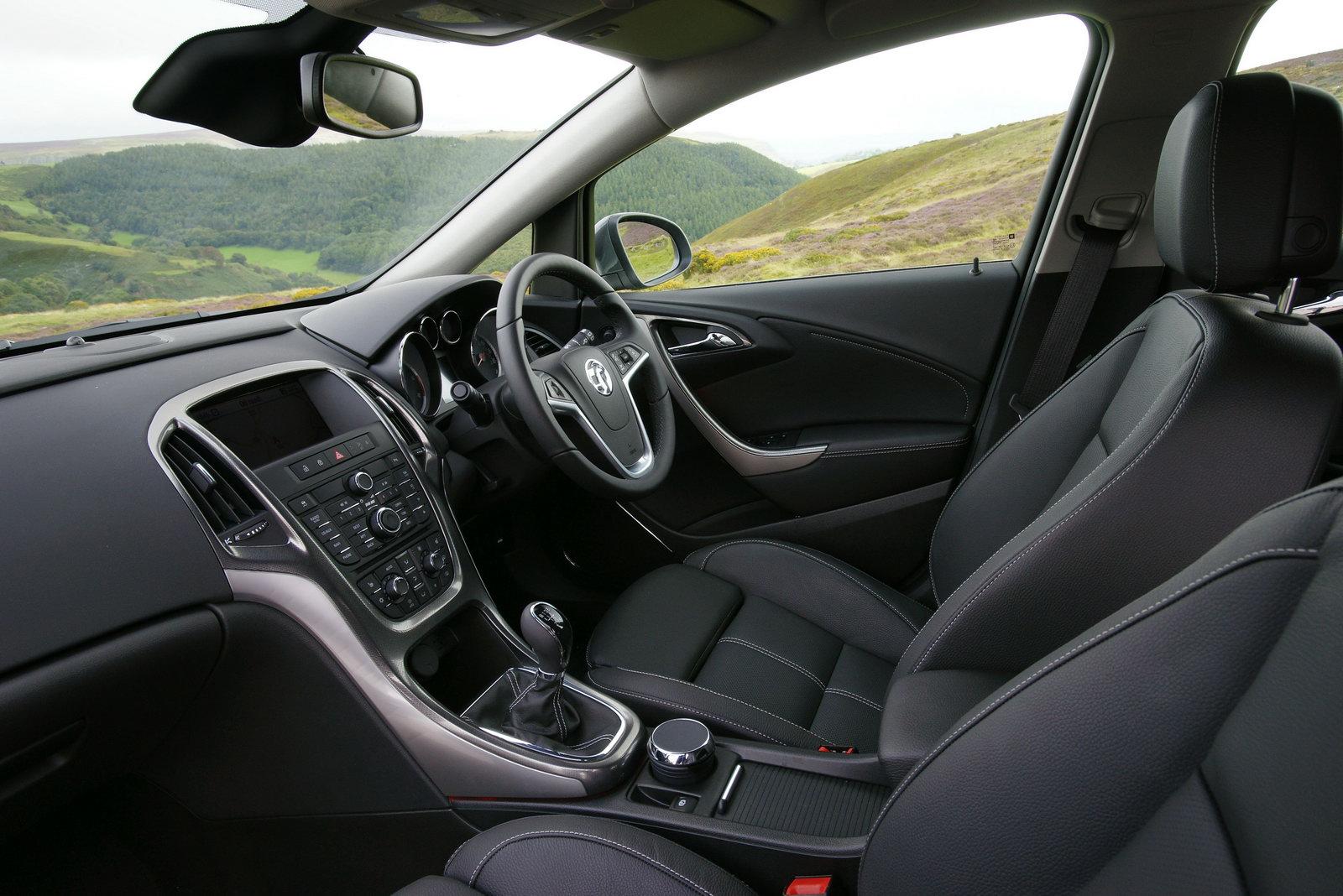 2010-Vauxhall-Astra-4.jpg