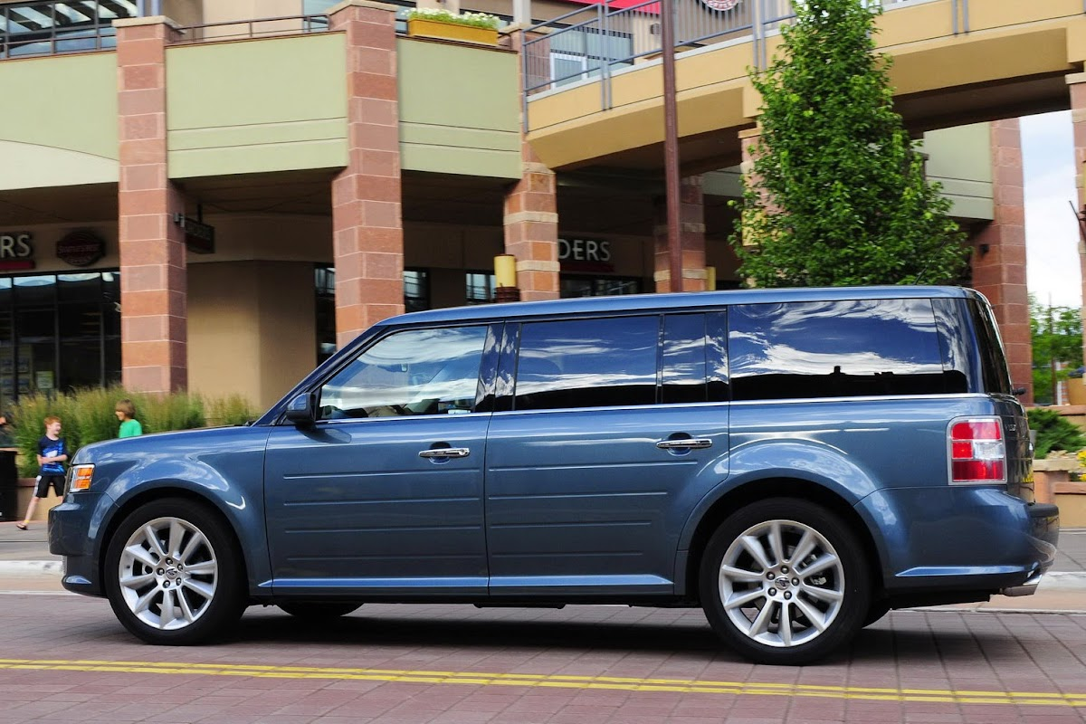Ford flex voted as the 2009 collectible vehicle of the future