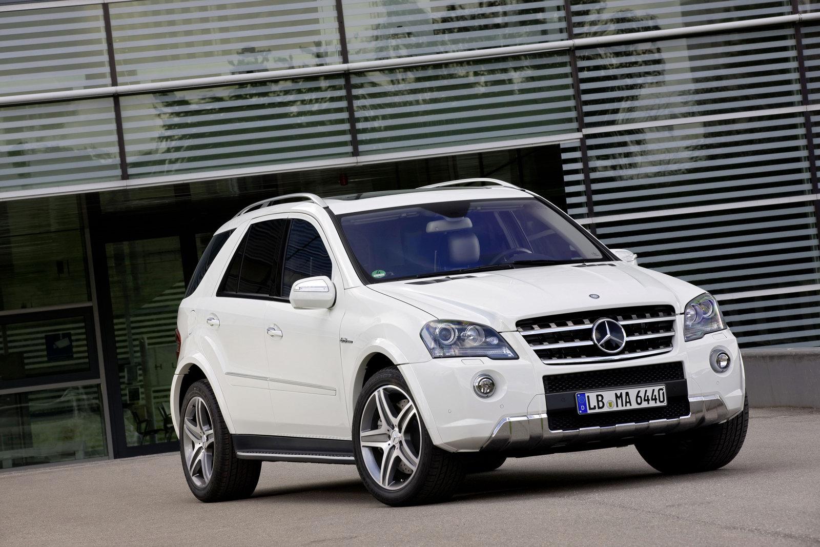 http://3.bp.blogspot.com/_FoXyvaPSnVk/TA-r1rGnJjI/AAAAAAAC7_0/3NE8JGxKFIY/s1600/2011-Mercedes-ML63-AMG-6.jpg