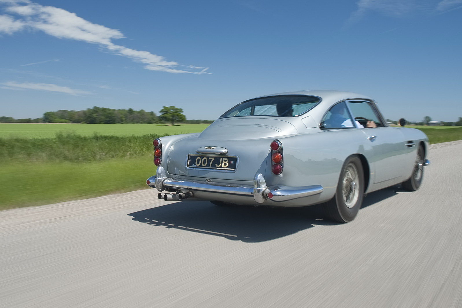 james bond 1964 aston martin db5 92 james bonds original 007 aston. Cars Review. Best American Auto & Cars Review