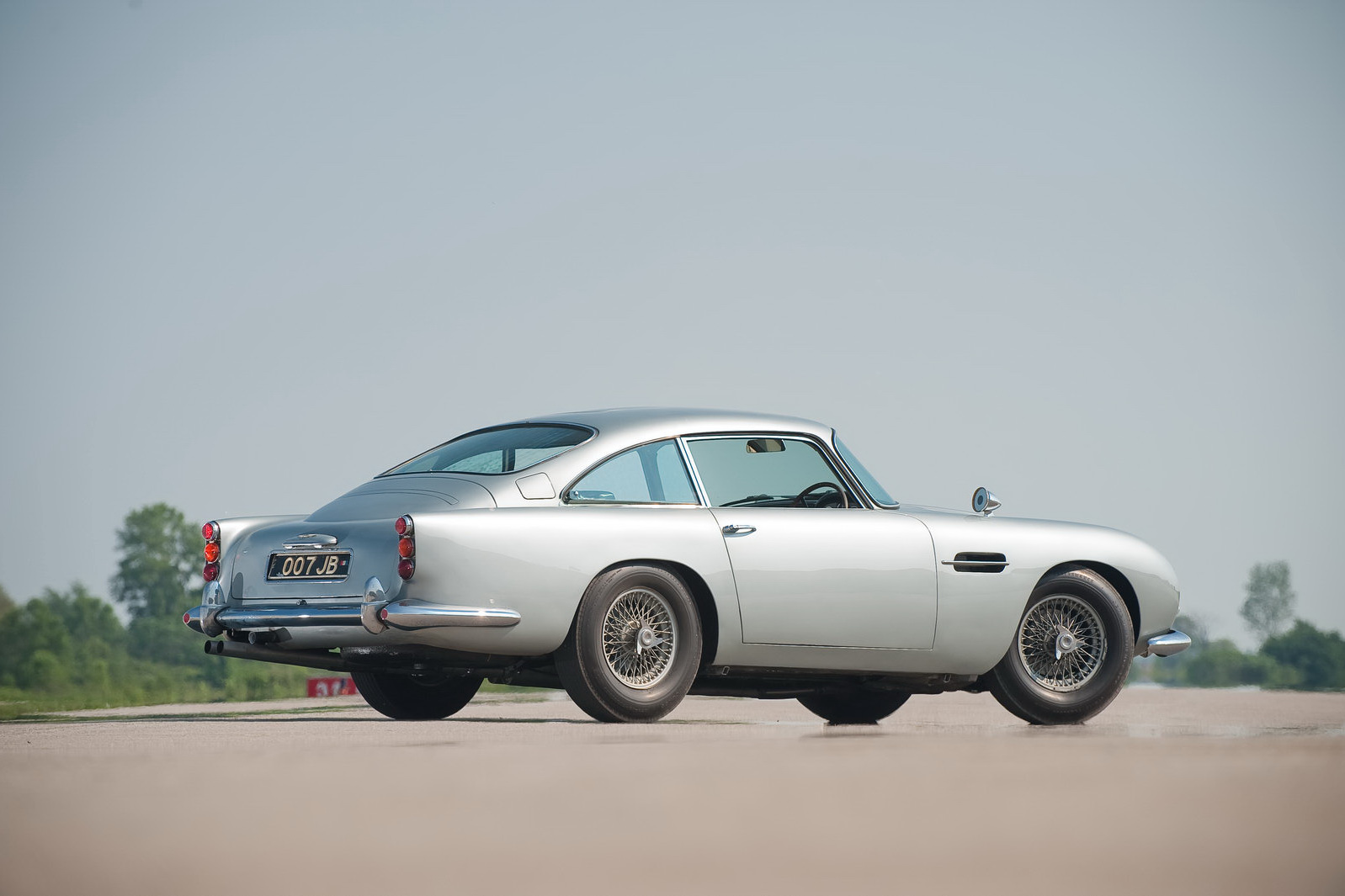 james bond 1964 aston martin db5 99 james bonds original 007 aston. Cars Review. Best American Auto & Cars Review