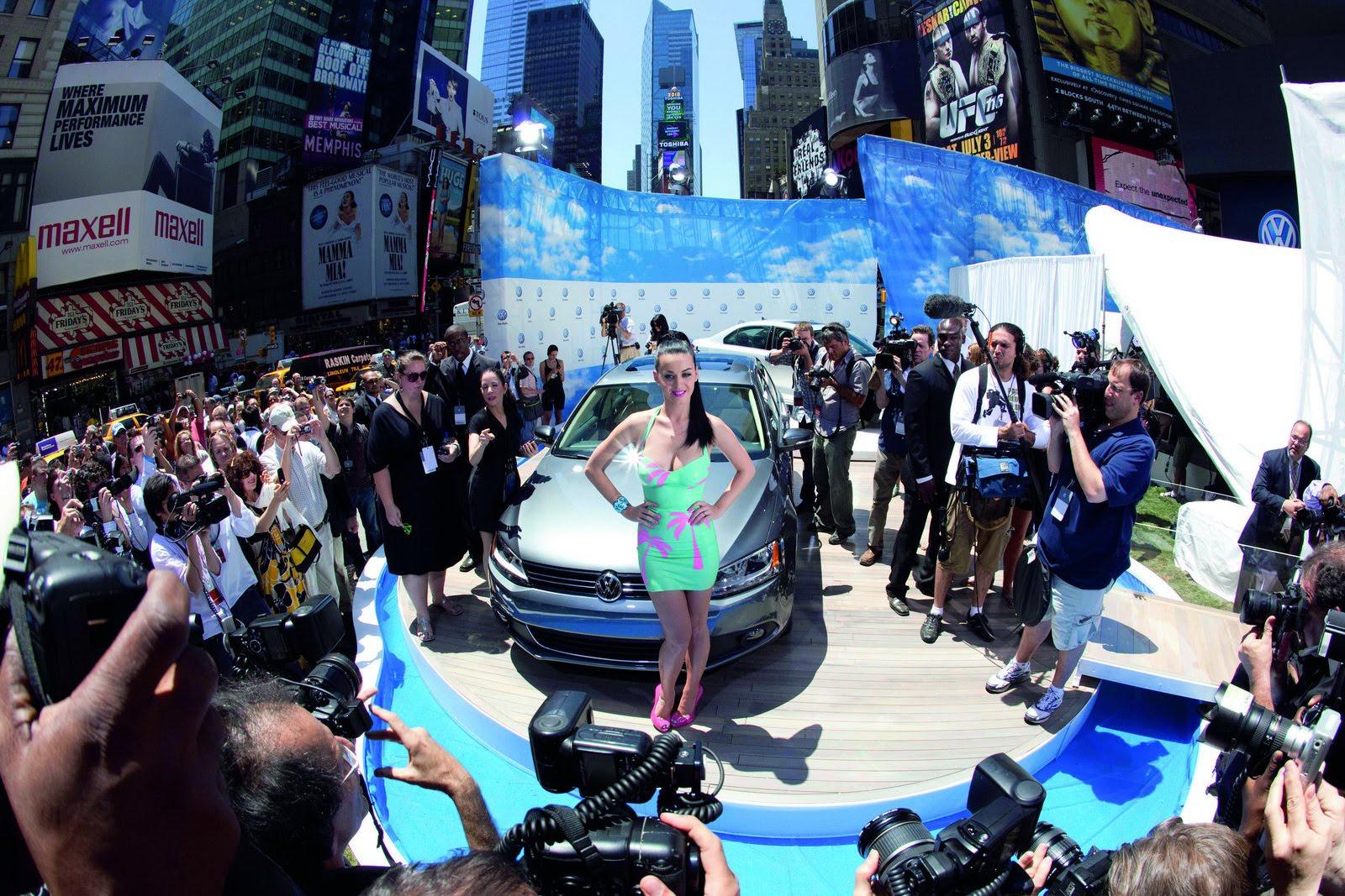 http://3.bp.blogspot.com/_FoXyvaPSnVk/TBlb2uy13wI/AAAAAAAC-BE/lagI0Tx3Z0k/s1600/2011-Volkswagen-Jetta-New-York-29.jpg