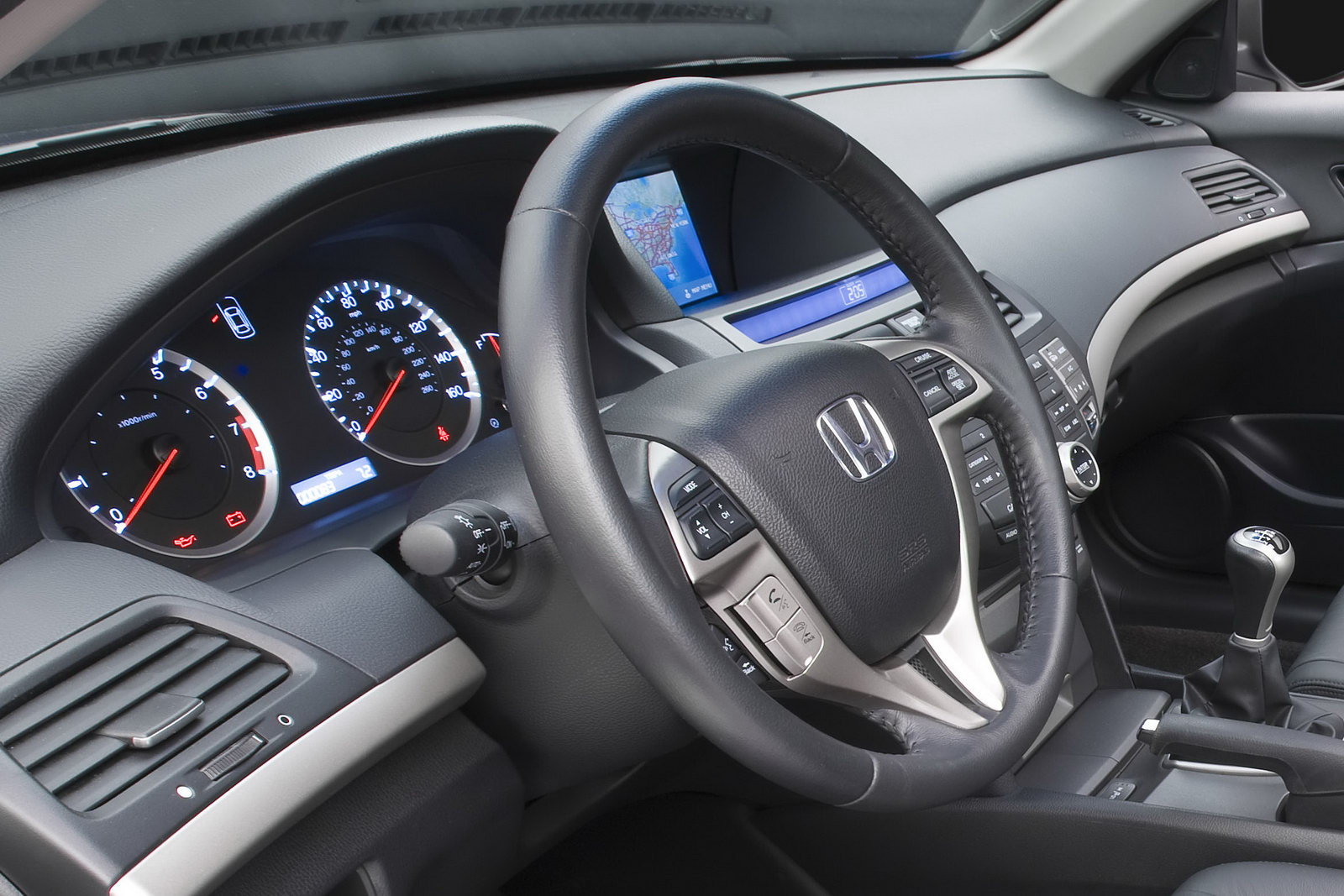2011 honda accord sedan and coupe facelift first photos and details rh inspiration car sport blogspot com 2012 honda accord manual pdf 2011 honda accord manual pdf