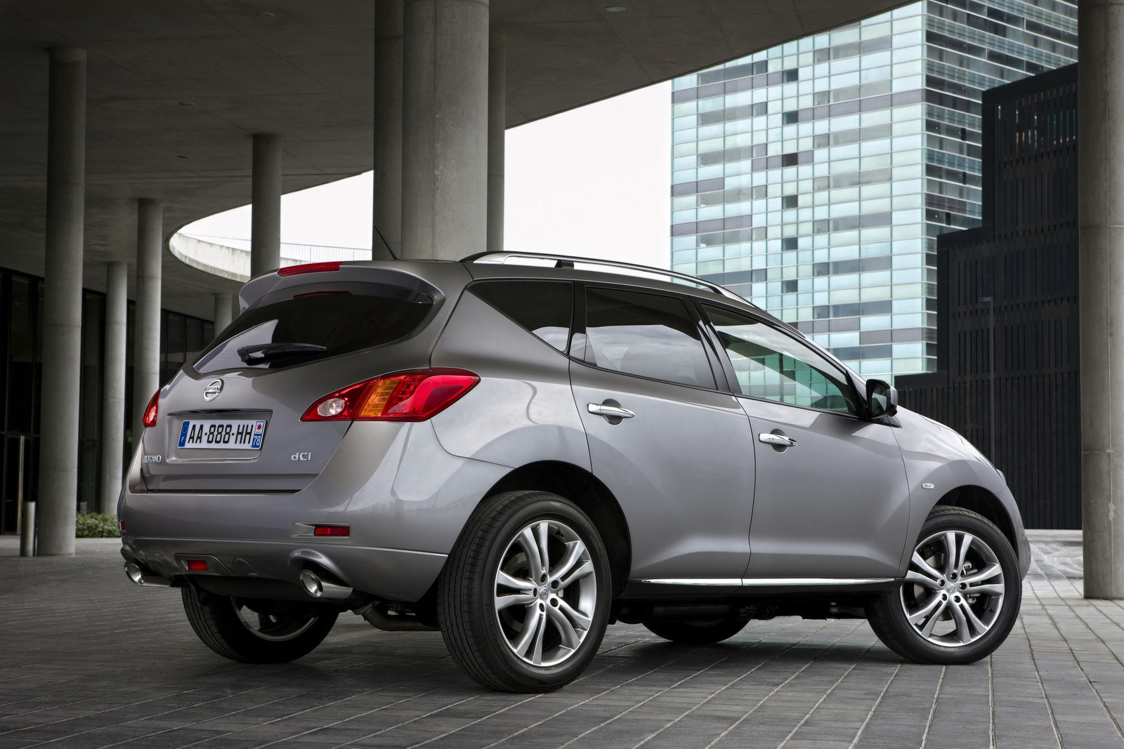 2011 nissan murano gets revised front styling due to new diesel
