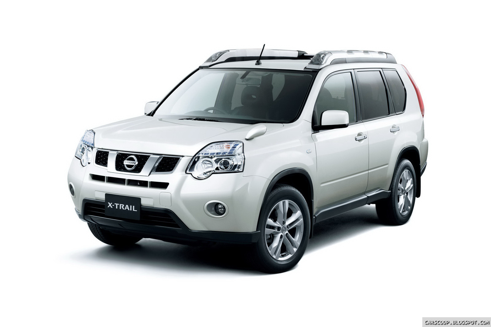 2011 Nissan X Trail Suv Facelift Breaks Cover In Japan