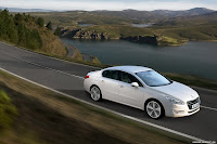 2011 Peugeot 508 9 New Peugeot 508 Officially Unveiled gets HYbrid4 Variant with 200HP and AWD