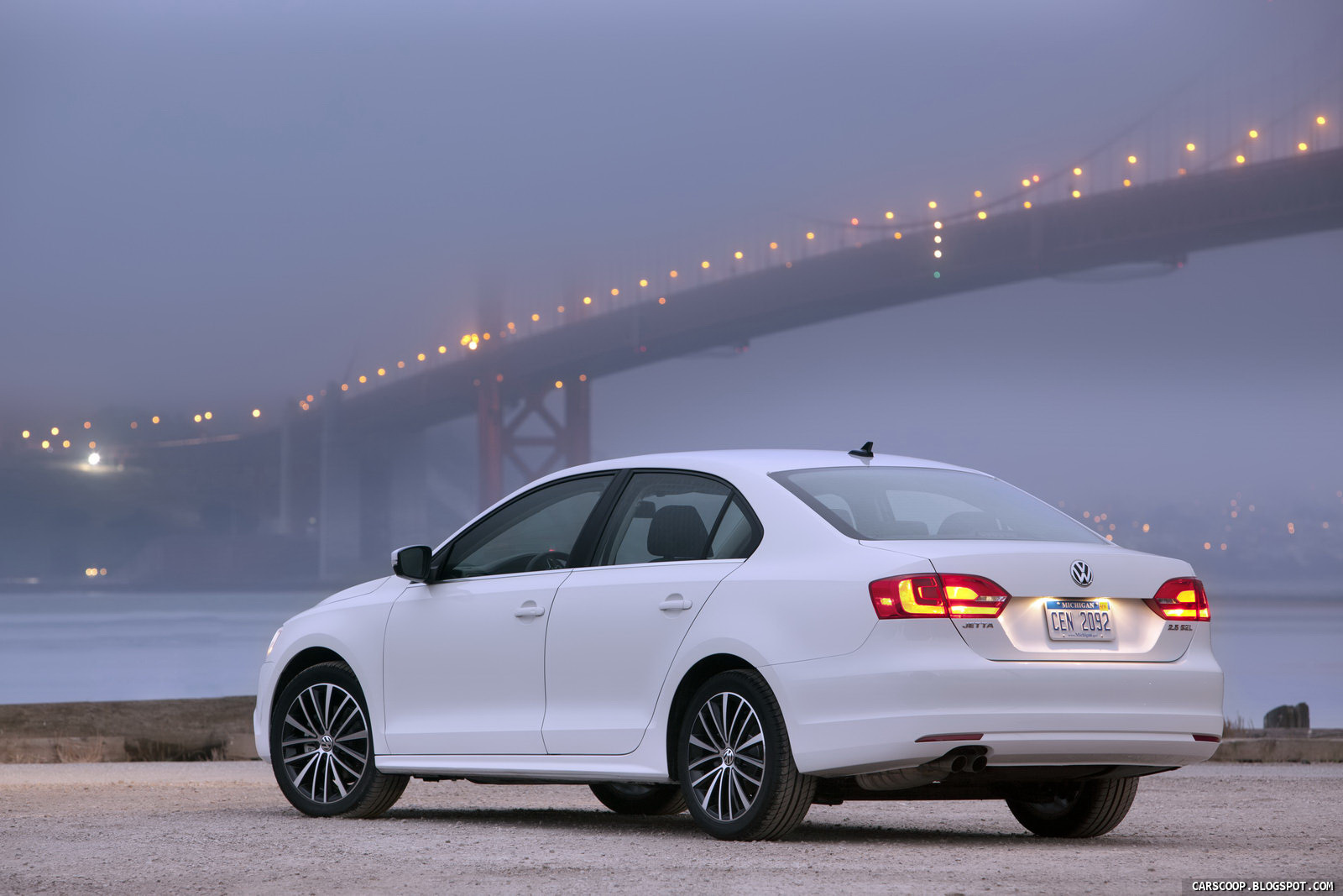 2011 volkswagen jetta performance specs and new photo gallery carscoops. Black Bedroom Furniture Sets. Home Design Ideas