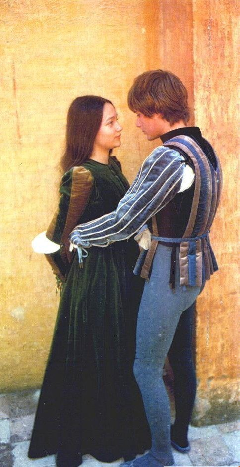 Amazon.com: Romeo and Juliet - Clothing  Accessories