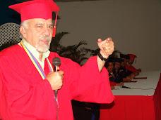 El Doctor Carlos Lanz Rodríguez dirigió su discurso a los presentes