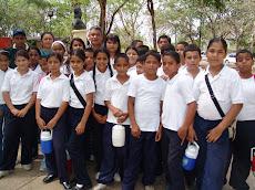 Vicerrector Ruiz recibió a niños y niñas de Las Vegas