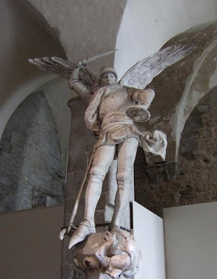 statue of Saint-Michel