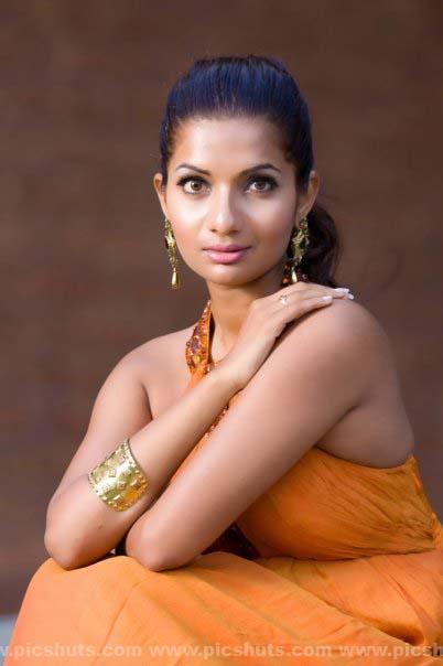 [Gamya_Prasadini_4_asiachicks.blogspot.vom.jpg]